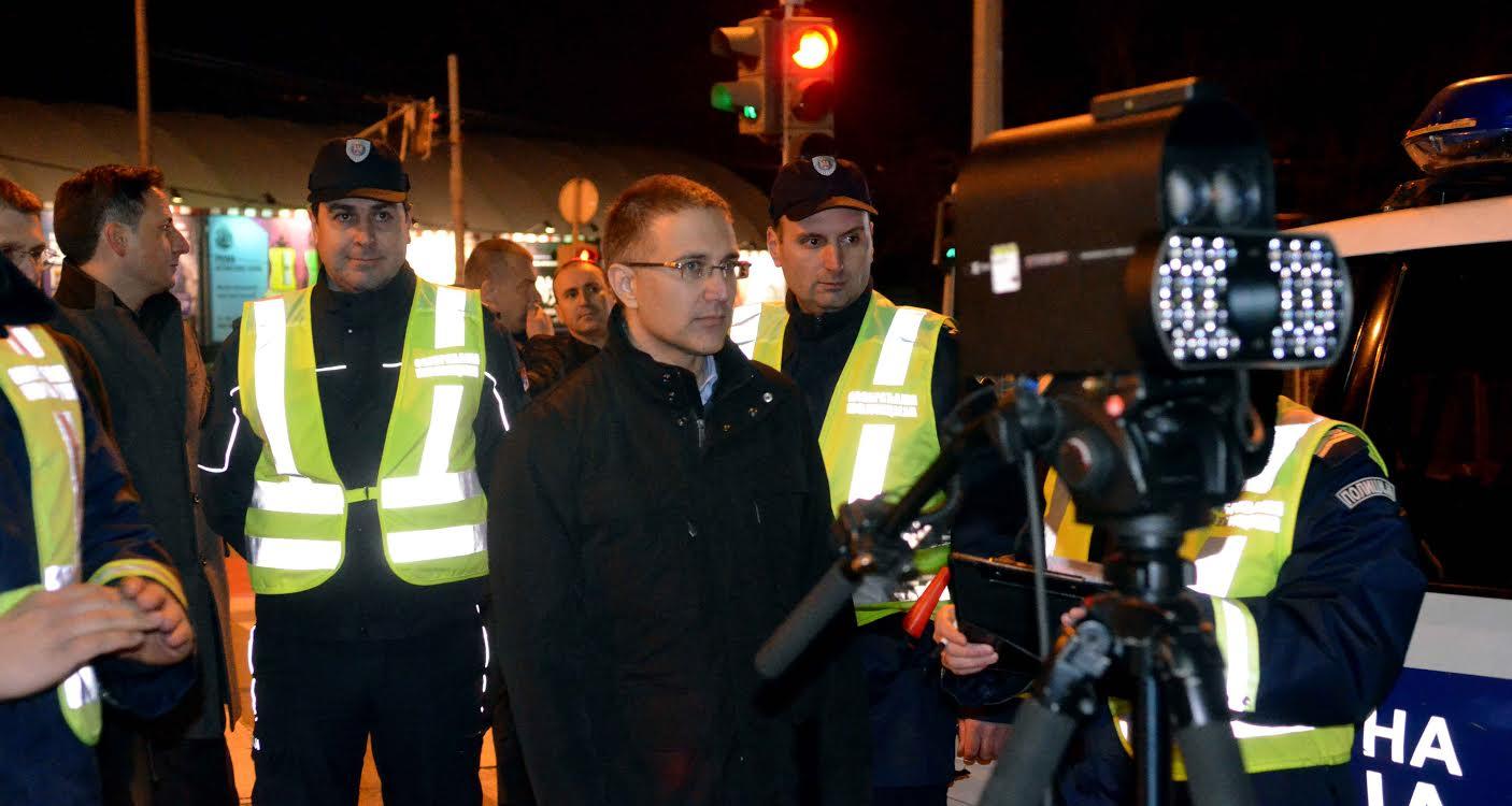 Ministar Stefanović kao saobraćajac