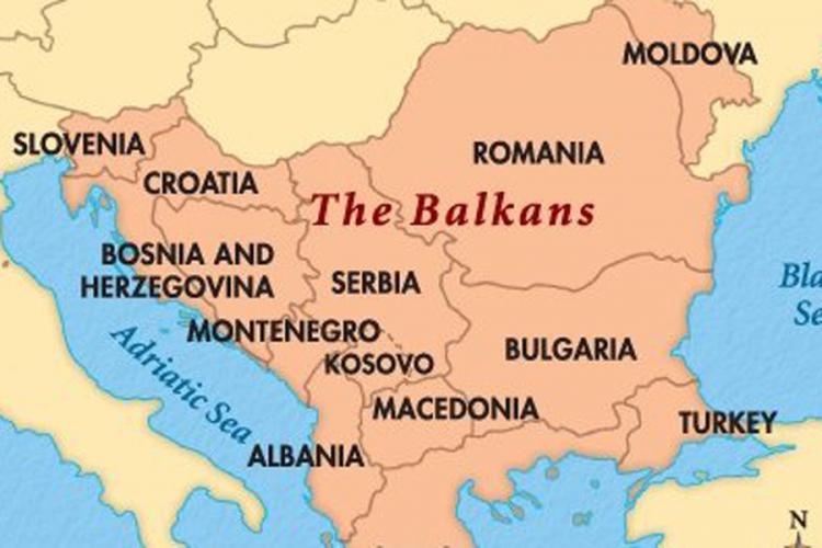 Američki stručnjak za bezbednost i bivši obaveštajac Džon Šindler: Na Balkanu ponovo zvecka oružje