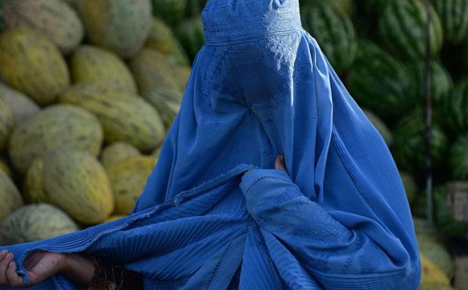 Maroko zabranio proizvodnju i nošenje burki