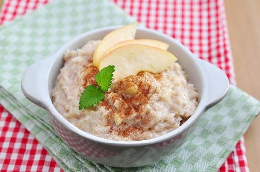 Recepti: Pirinčani puding s jabukama
