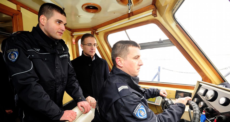 Stefanović  obišao Rečnu policiju Srbije