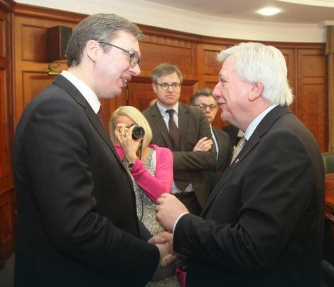 """Konferencija za medije Vučića i Bufijea: """"Fraport"""" zainteresovan za """"Teslu"""""""