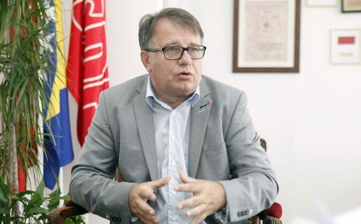 Nikšić i Izetbegović dogovorili se o reviziji tužbe protiv Srbije