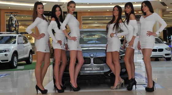 Sta se to događa sa Salonom automobila?