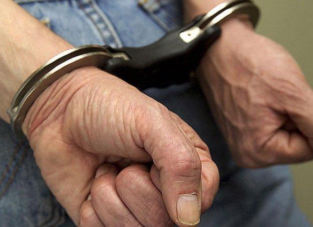 Mali Zvornik: pritvorenik razoružao policajca!
