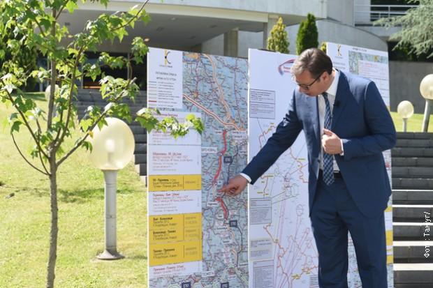 Vučić se danas oprostio od novinara koji su ga vređali ali i veličali!