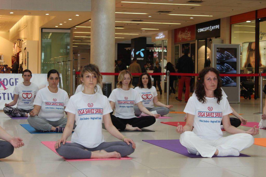 Sedamnaestog maja u holu TC Delta city Treći beogradski festival art joge