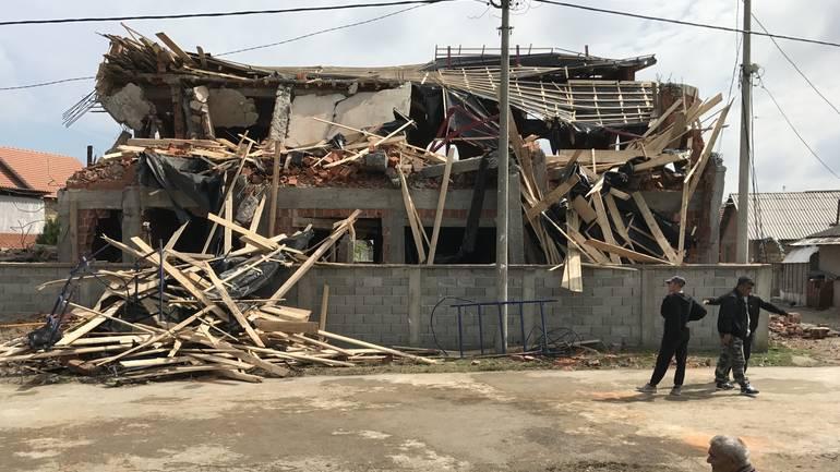 Zemun Polje: Jutros (ipak) srušen objekat Islamske zajednice