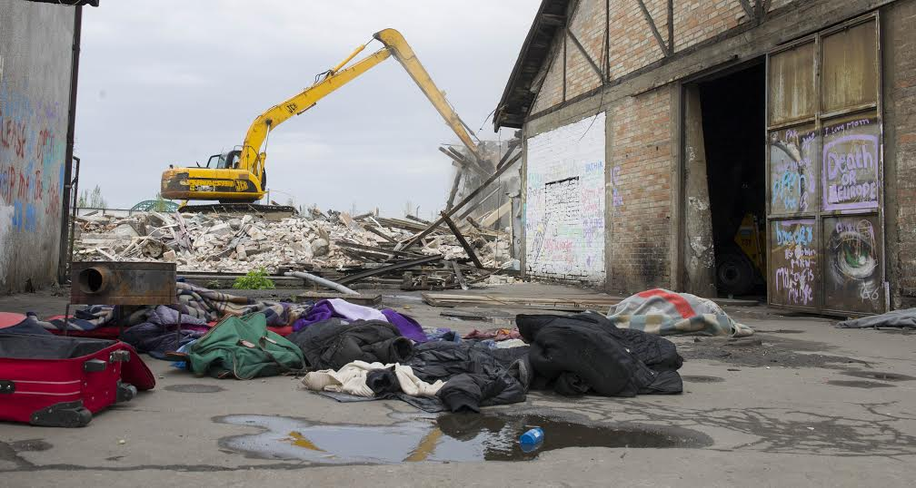 Beograd: Iseljeni migranti kod autobuske stanice