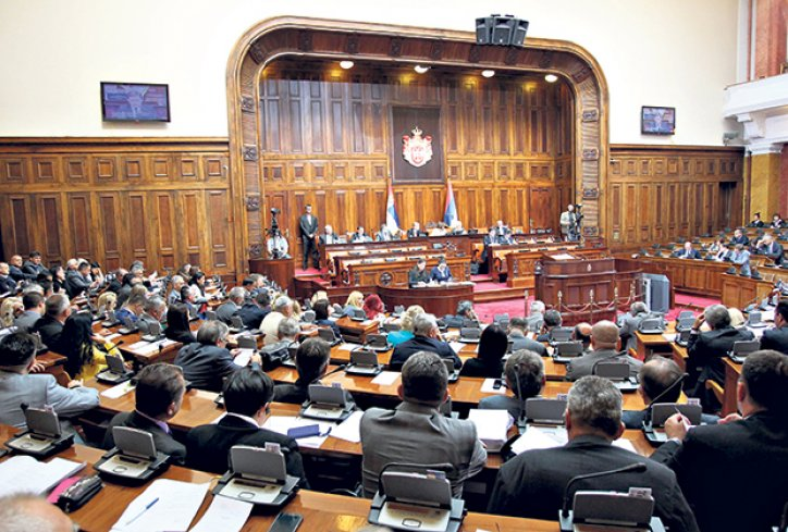 Skupština Srbije: žučna rasprava pozicije i opozicije