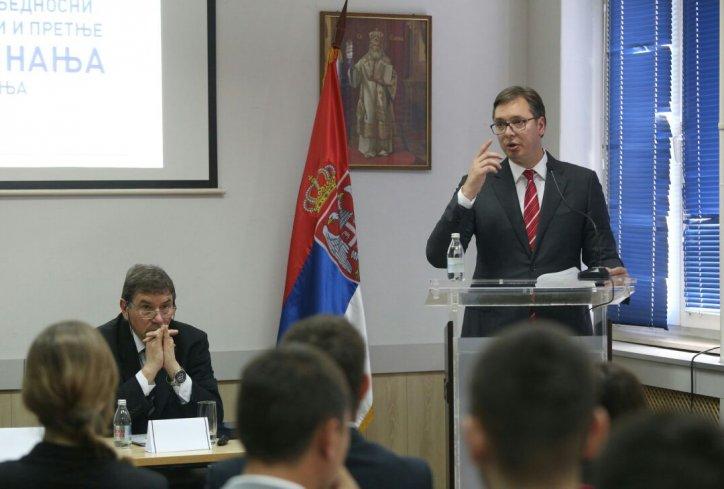 Aleksandar Vučić: o Gašiću, ološ novinarstvu, migovima i novog predsednika Vlade