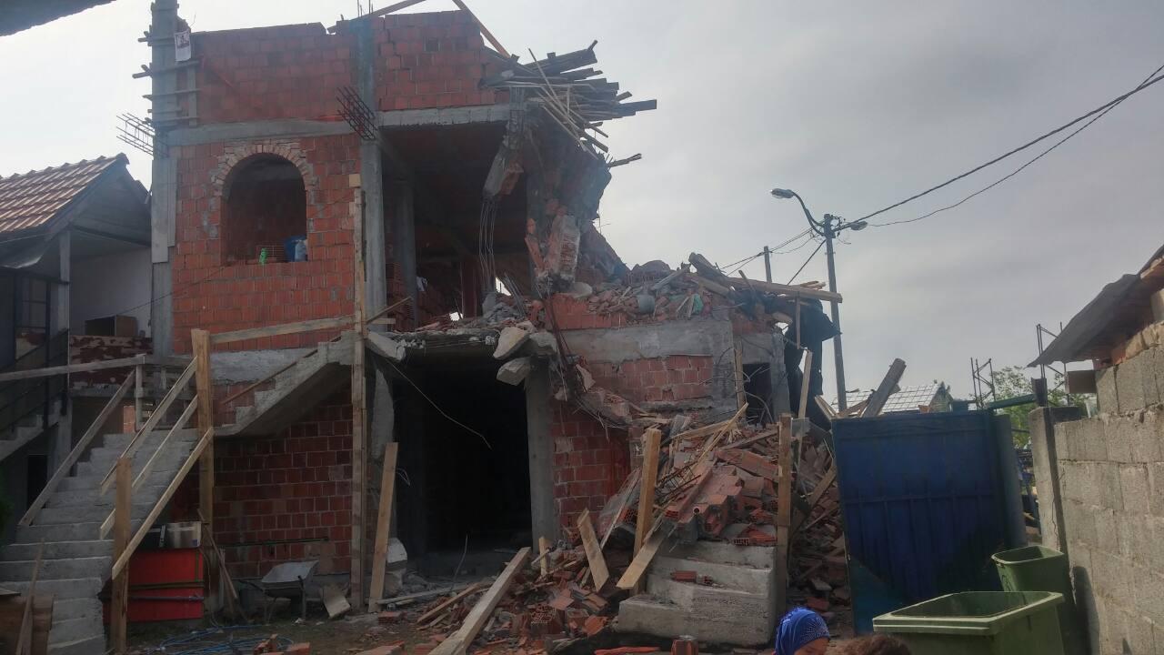 """Protiv Diktature: Između 250 hiljada nelegalnih objekata srušili """"divlju"""" džamiju"""