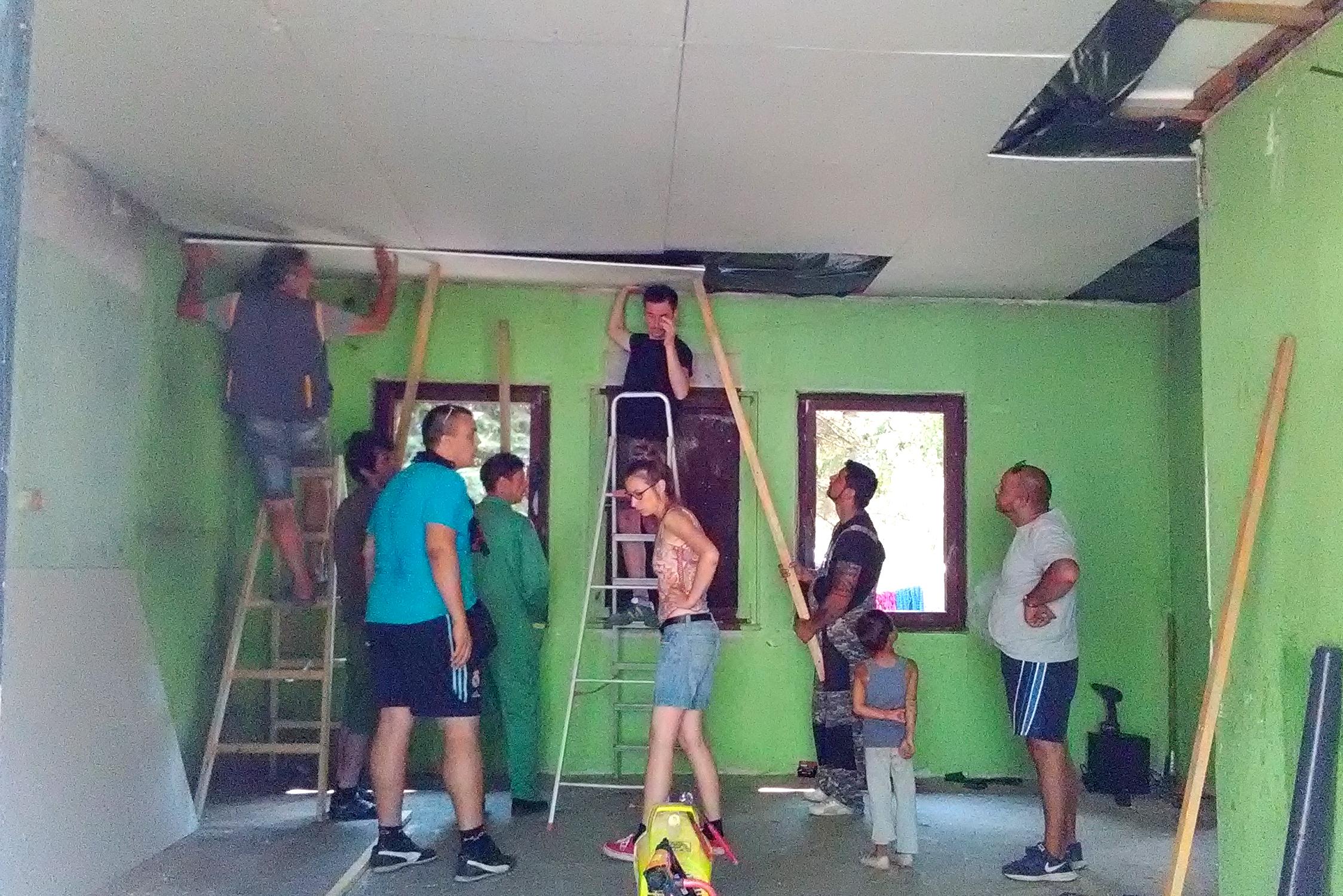 Poruka Združene akcije Krov nad glavom: Popravili smo krov i odbranićemo ga!