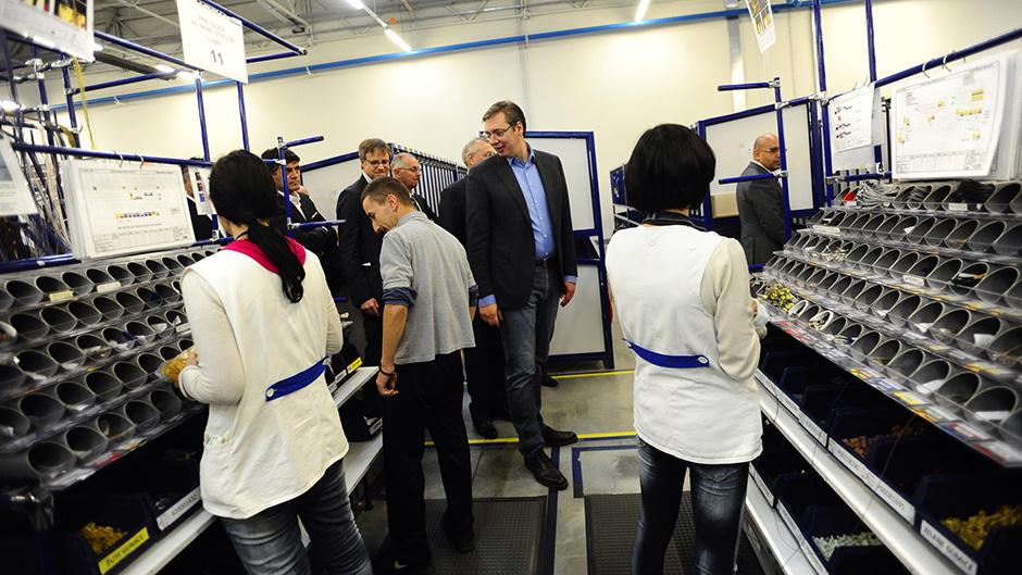 Niš: Vučić otvorio fabriku Leoni i obećao da će dogodine dovesti Merkelovu
