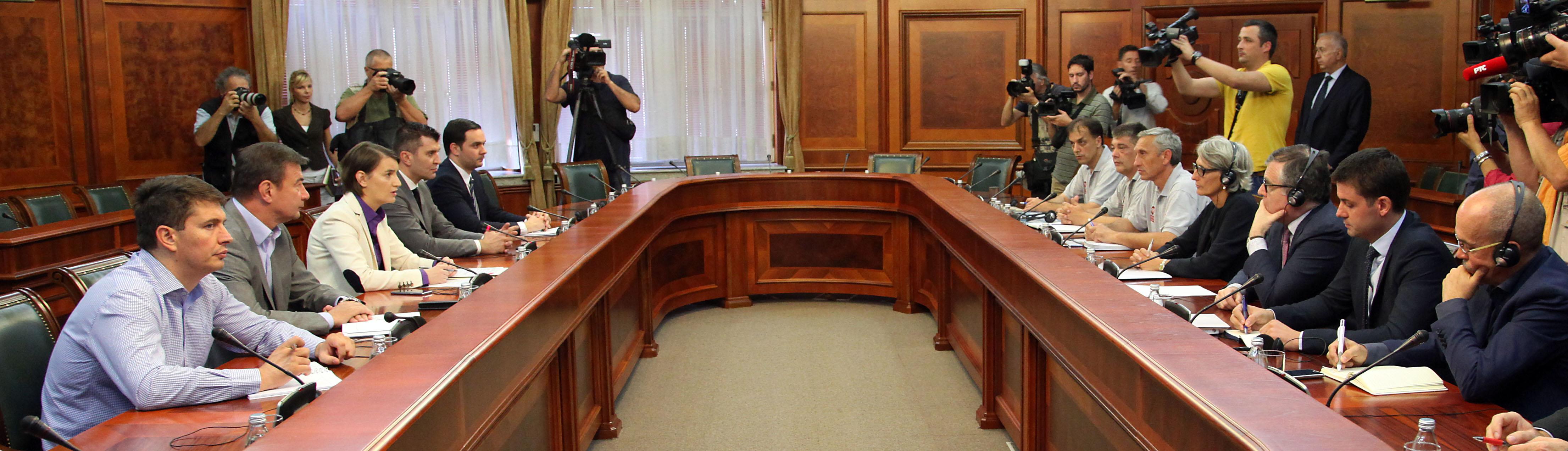 Rukovodstvo Fijata razgovara sa članovima štrajkačkog odbora!