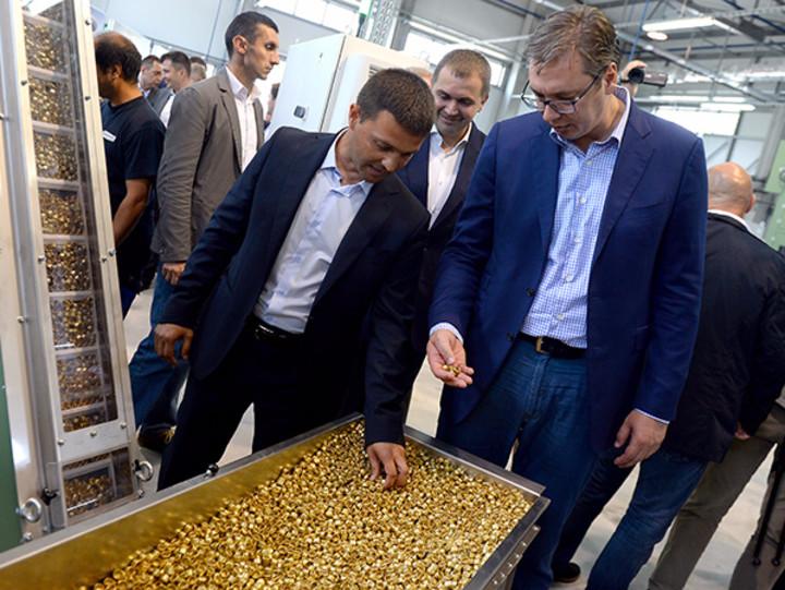 Vučić otvorio fabriku streljačke municije u Uzićima
