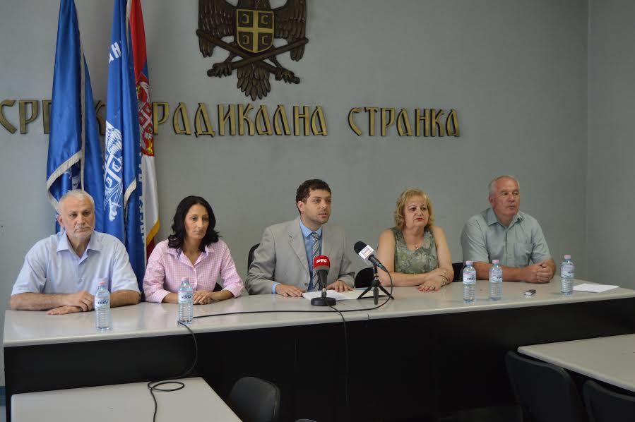 SRS: Ako se Vučić ne slaže sa izjavama Premijerke – neka je smeni!