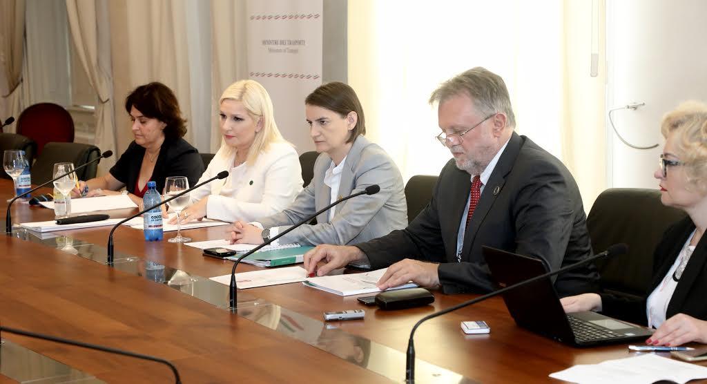 Trst: Brnabićeva razgovarala sa potpredsednikom EIB za Srbiju