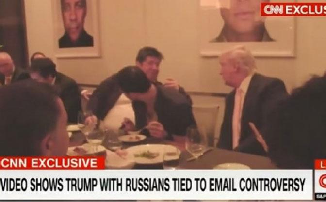 CNN: Procureo snimak Trampa na večeri s Rusima!