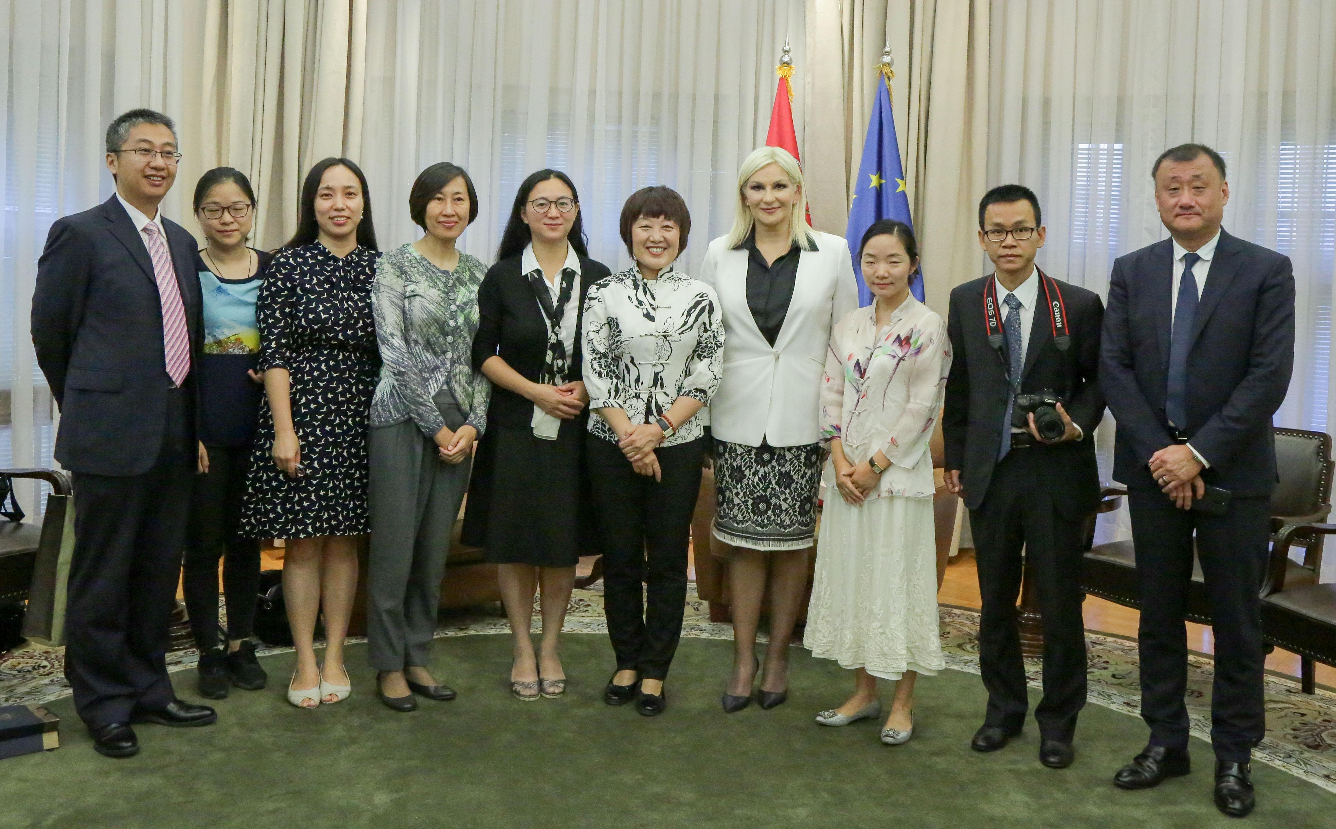 Zorana Mihajlović primila grupu kineskih novinara