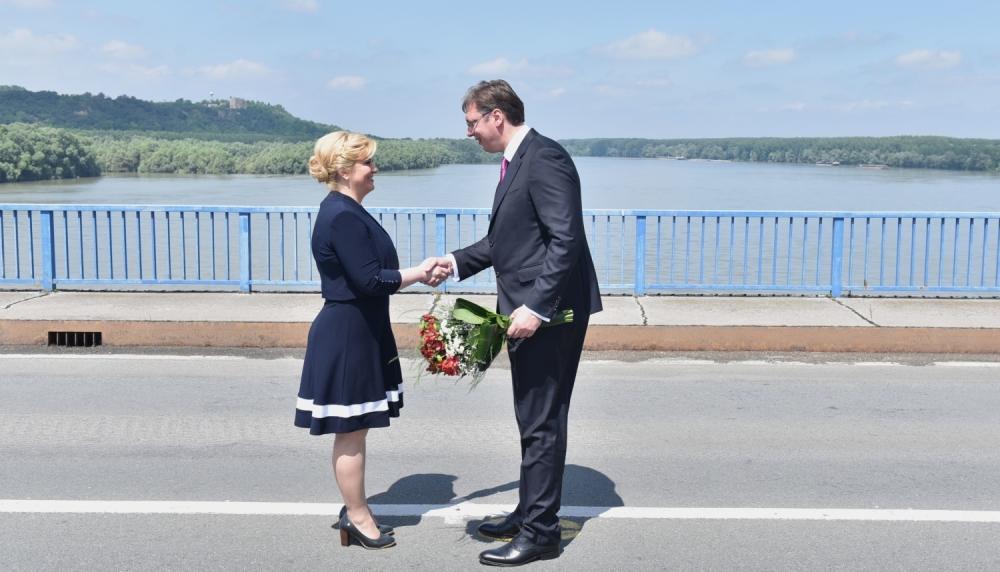 Kitarovićeva poziva Vučića da na jesen poseti Hrvatsku