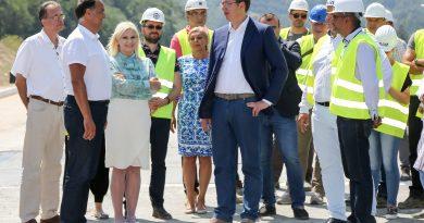 """Poruka Aleksandra Vučića iz Vladičinog Hana: opozicija je kao """"Pokondirena tikva"""""""