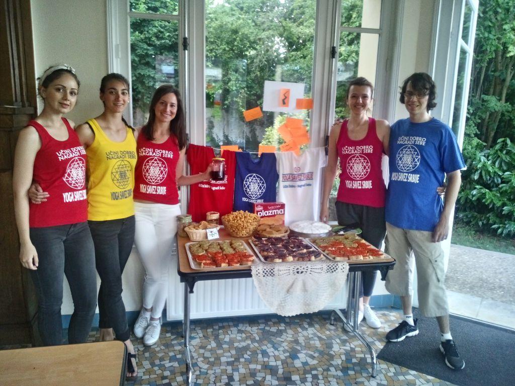 Joga praktičari iz Srbije vratili se iz Francuske