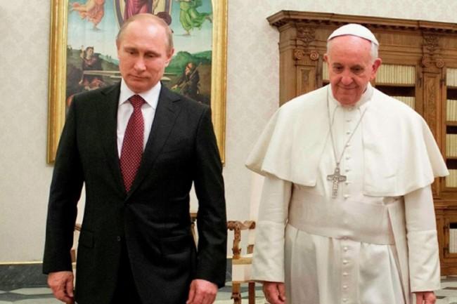 Posle najavljene posete Kirilu: Papa hoće jače veze sa Putinom!