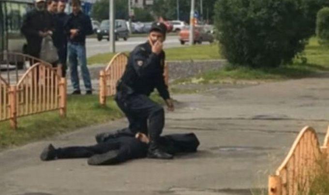 Rusija: nožem napao prolaznike