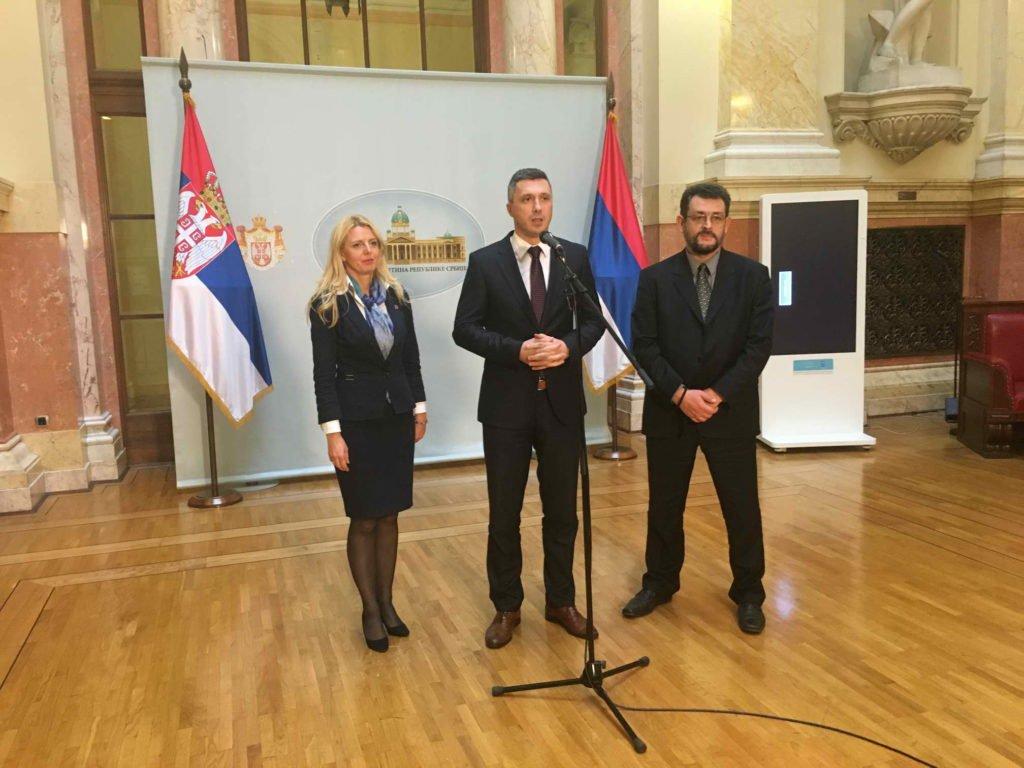 Poslanička pitanja: Ko štiti Željka Mitrovića?