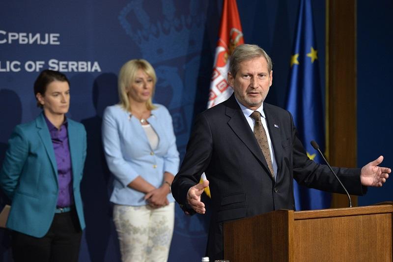 Konferencija za medije Brnabićeve i Hana: zašto EU ćuti kada na Kosovu hapse radnike Crvenog krsta?