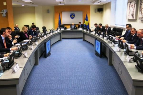 """Rojters i AP o formiranju vlade Kosova: Avdulah Hoti iz LDK – """"na nesreću (Vlada je)u potpunosti u rukama Beograda"""""""