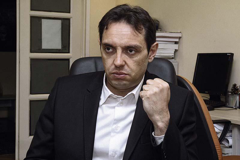 "Ministru odbrane Aleksandru Vulinu stan platila ""tetka iz Kanade"""