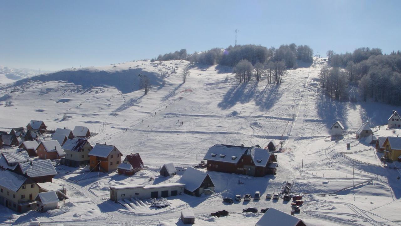 U susret zimskoj turističkoj sezoni 2017/18 u Crnoj Gori : sve je spremno čekaju se gosti!