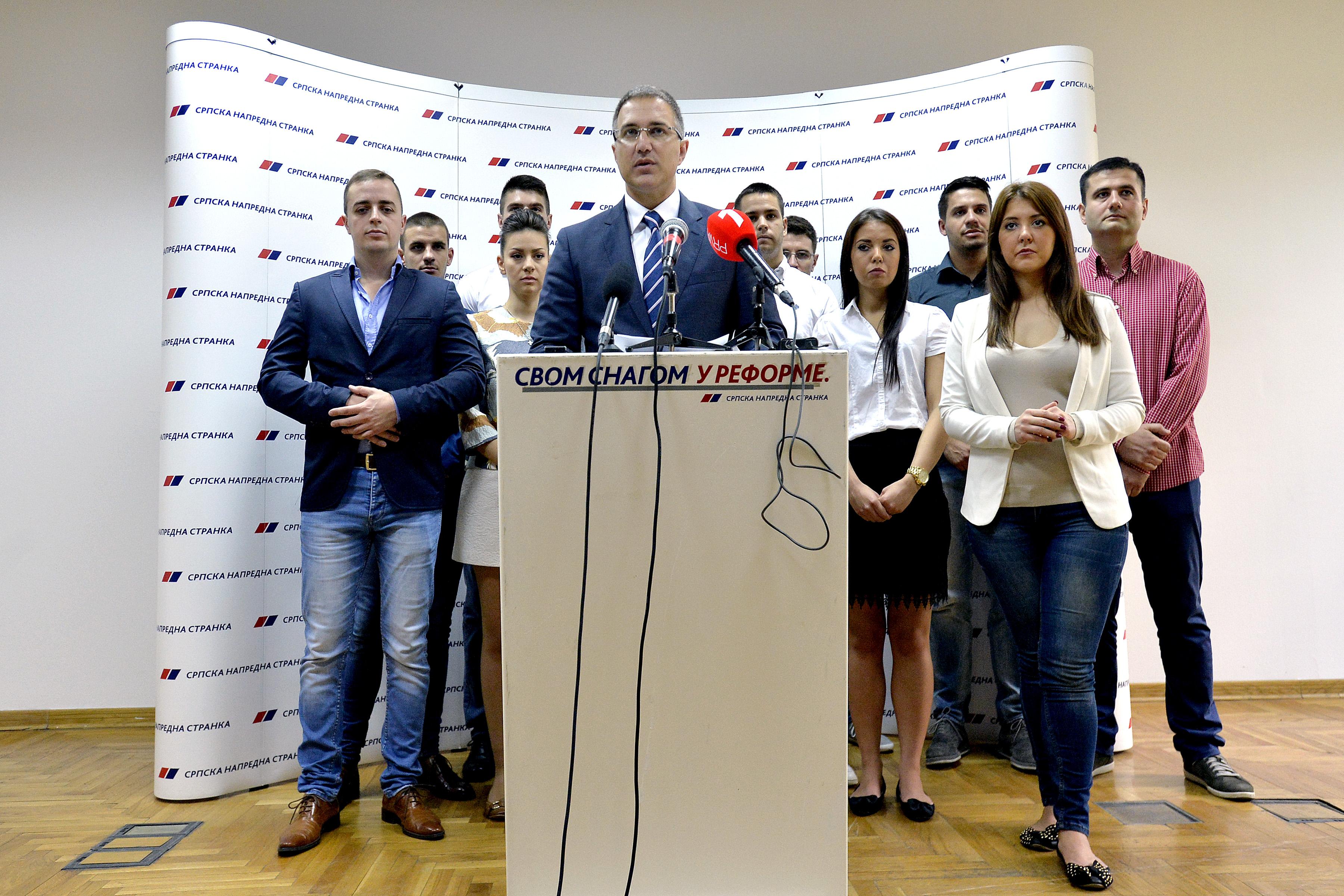Stefanović napada opoziciju da želi vanredne izbore – ali ne zna ko iz opozicije!
