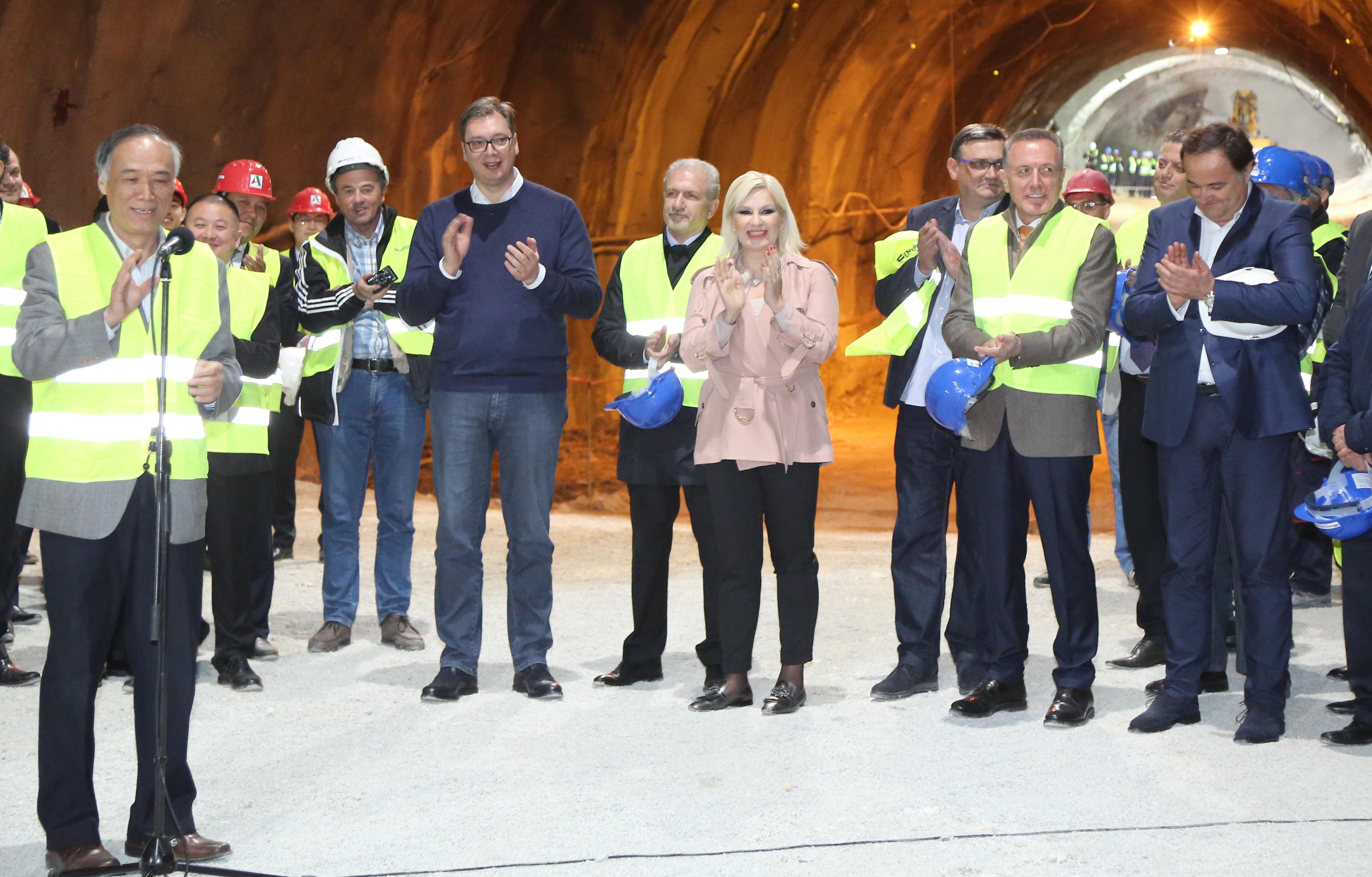 Svečanost na Koridoru 11: probijen tunel Brančić