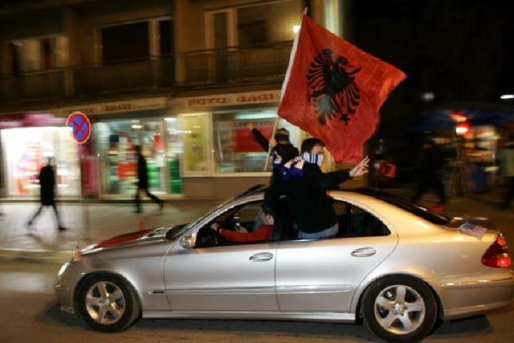 Makedonija: Albanski postao zvanični jezik