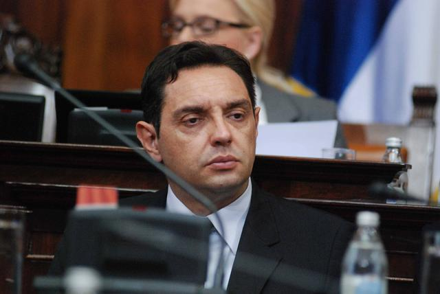 """Skupština Srbije: Šešelj traži mornaricu – """"kada jednog dana opet izađemo na srpsko more""""!"""