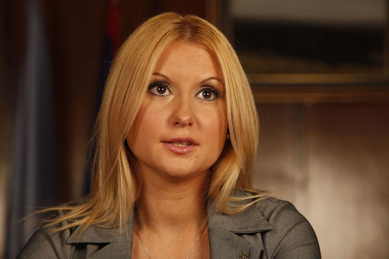 Skupština Srbije: pitanja poslanika – da li će Šešelj ostati poslanik?