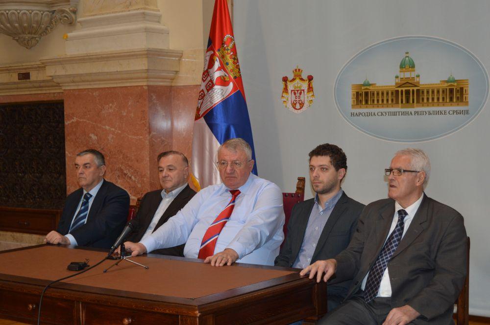 Šešelj i dalje provocira: Ako mi padne na pamet u stanju sam da zapalim celu Hrvatsku