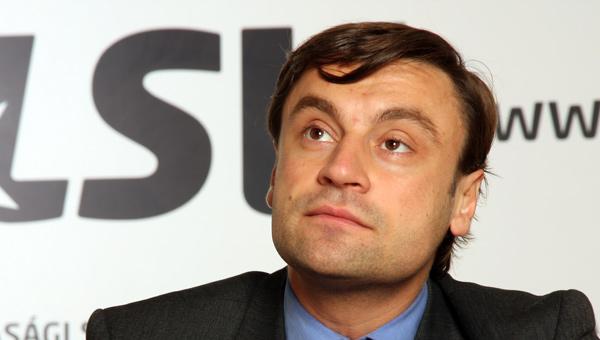LSV: Ratni zločinac i posle dve nedelje sedi u parlamentu