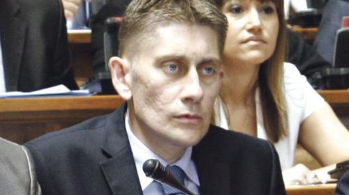 Skupština Srbije: Martinović vređa opoziciju – nekažnjeno