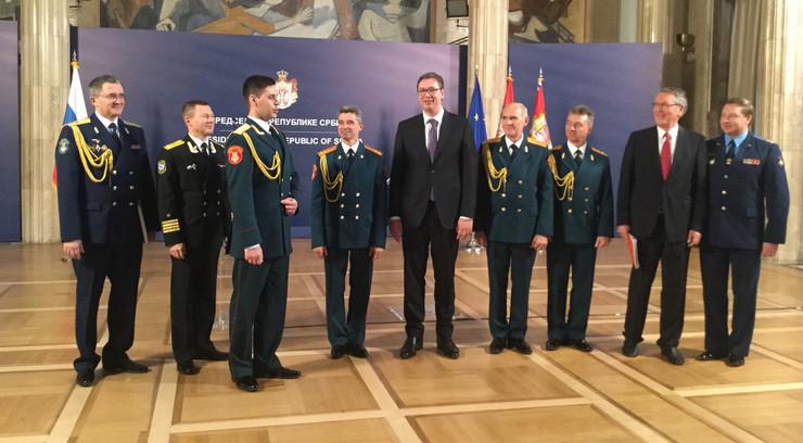 ALEKSANDROV/ Vučić primio članove ansambla ruske armije