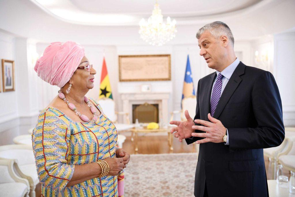 KOSOVO/ Ambasadorka Gane predala Tačiju akreditivno pismo