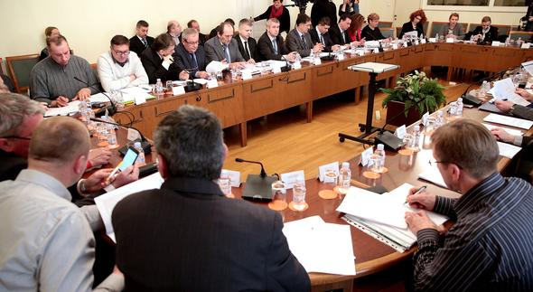 Na Odboru za poljoprivrdu u Skupštini Srbije – svađa zbog malinara