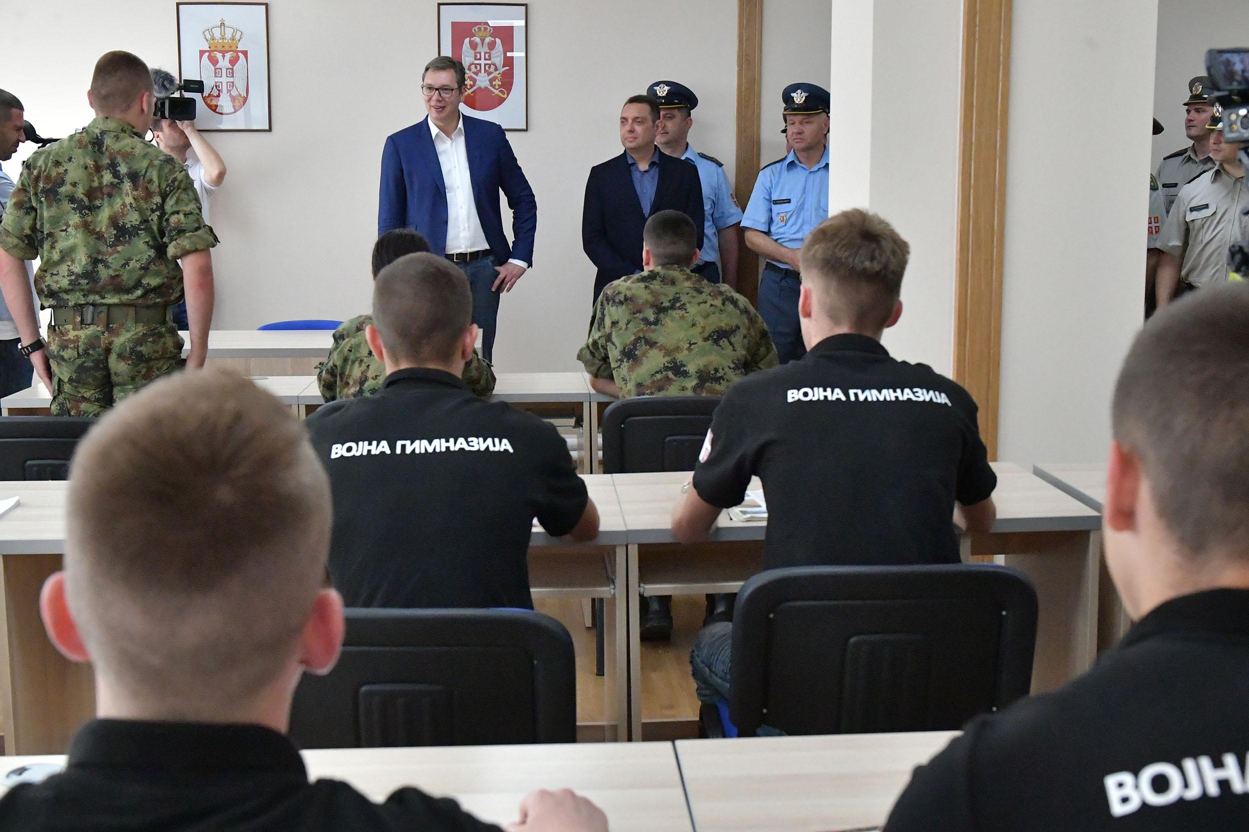 ALEKSANDAR VUČIĆ/Ne postoji u regionu armija razvijenija od naše