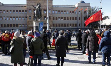 Zoran Zaev: Rusi finansirali navijače da protestvuju potiv dogovora