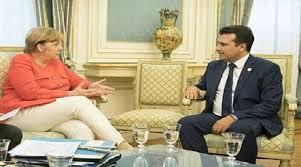 ČEKAJUĆI REFERENDUM: Angela Merkel podržala Zaeva