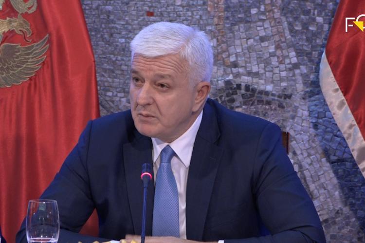Crnogorski premijer odgovara Irineju: Pitanje je da li bi bilo danas Hrama u Podgorici da Vlada nije dala značajna sredstva