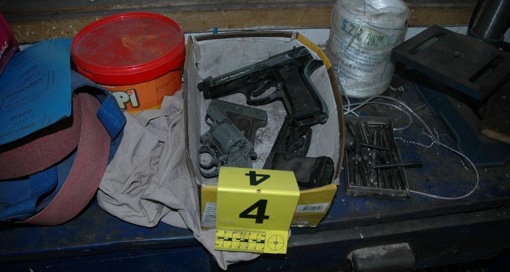 LESKOVAC: Otkriven ilegalni oružar!